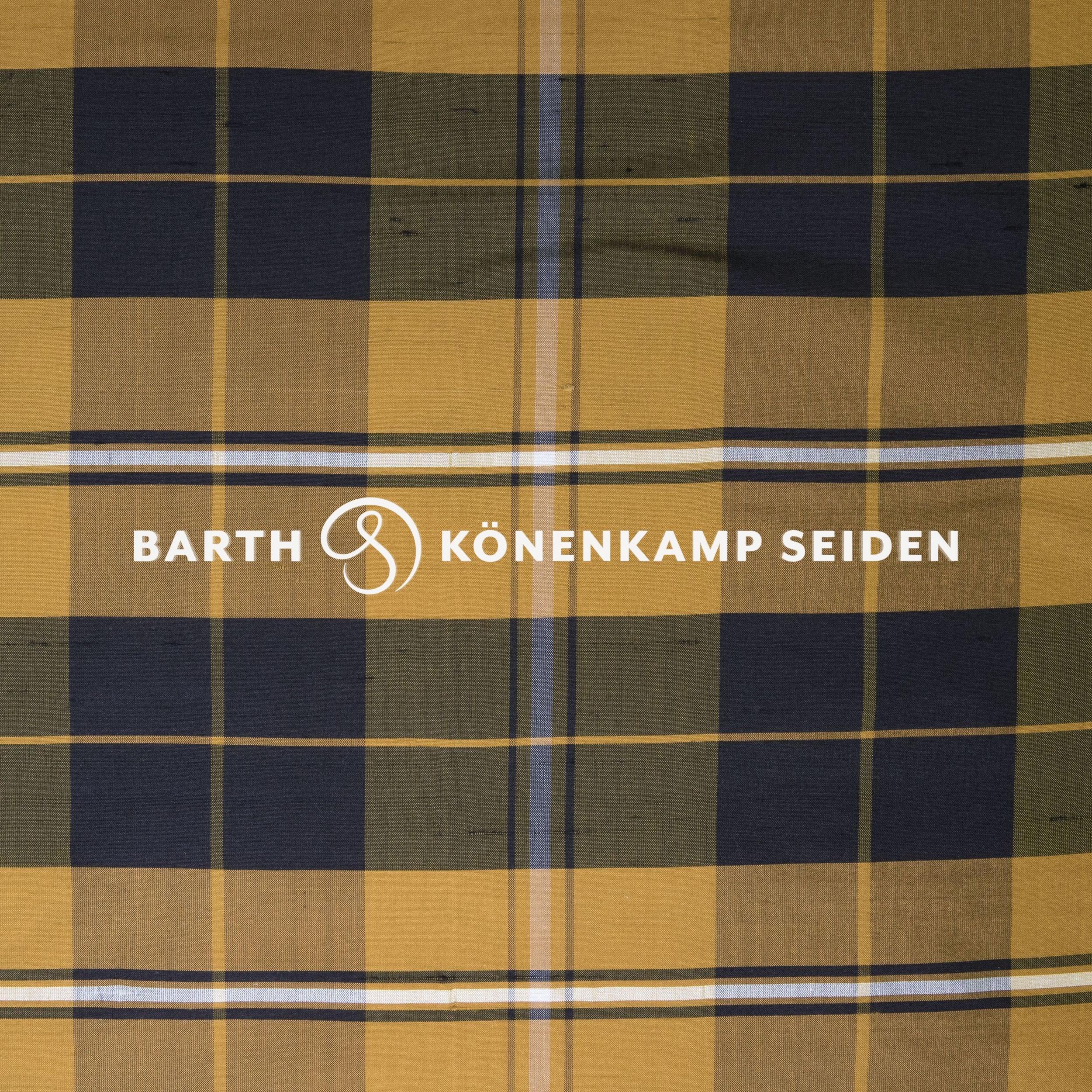 3090B-101 / Doupion silk checked