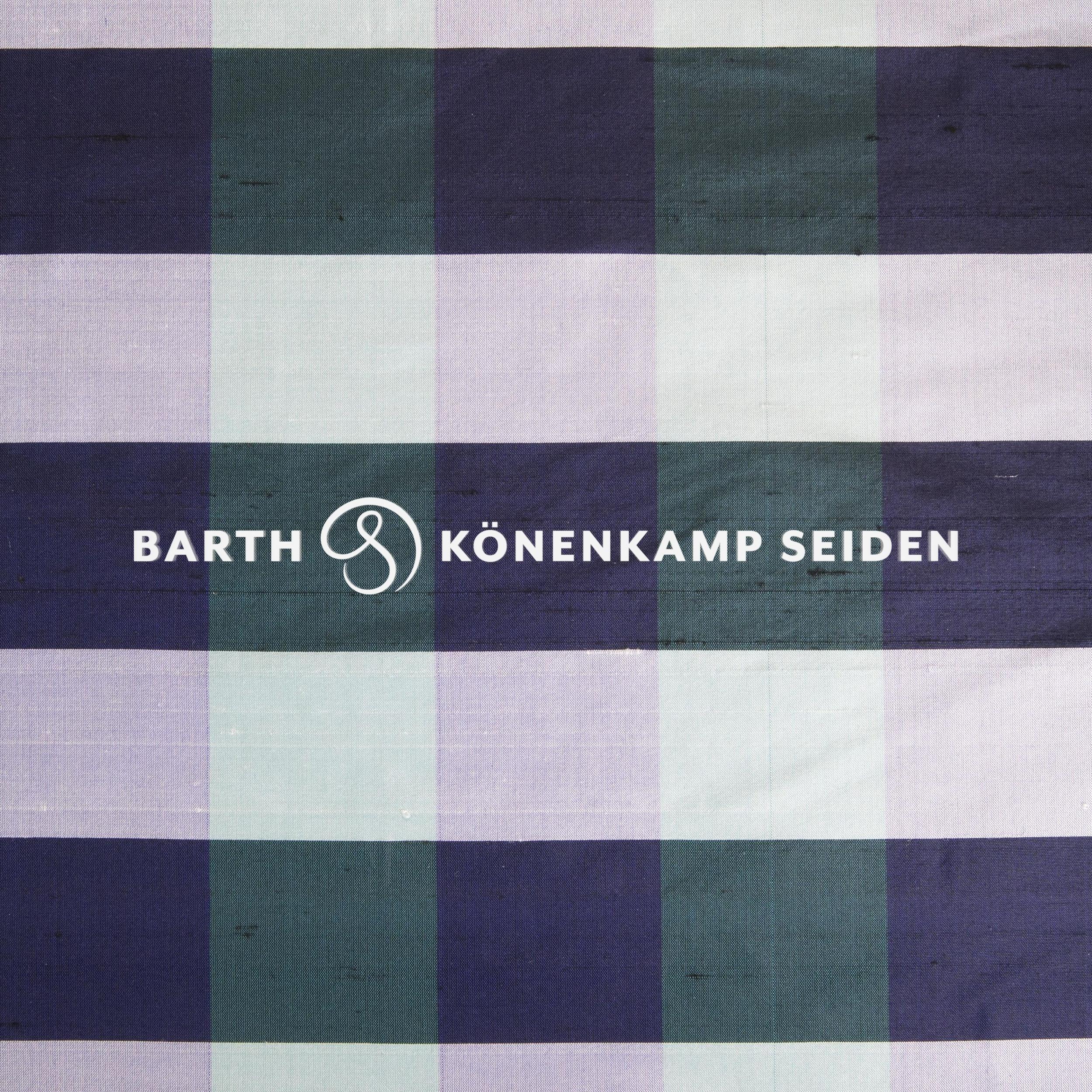3090B-46 / Doupion silk checked