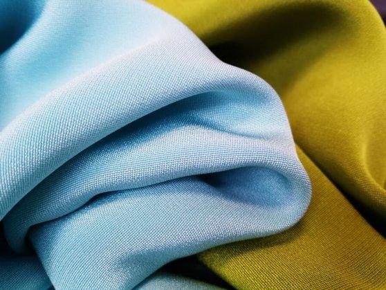 3018-crepe-marocain-seide-blau-grün